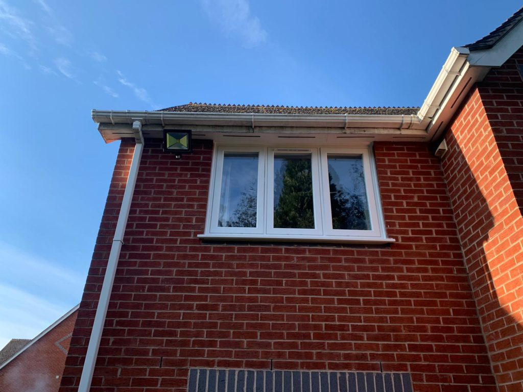 R7 windows prices epsom