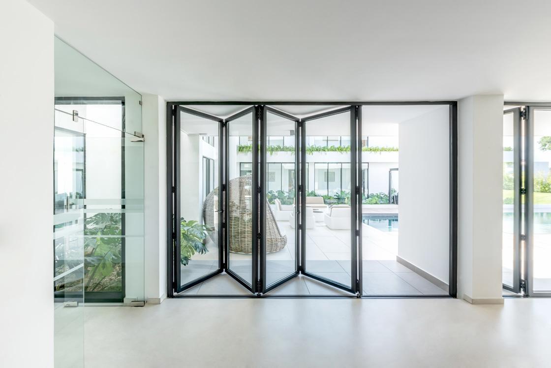 aluminium bifold doors installed in epsom